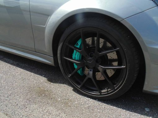 Mercedes-Benz C63 with Petronas Green brake calipers