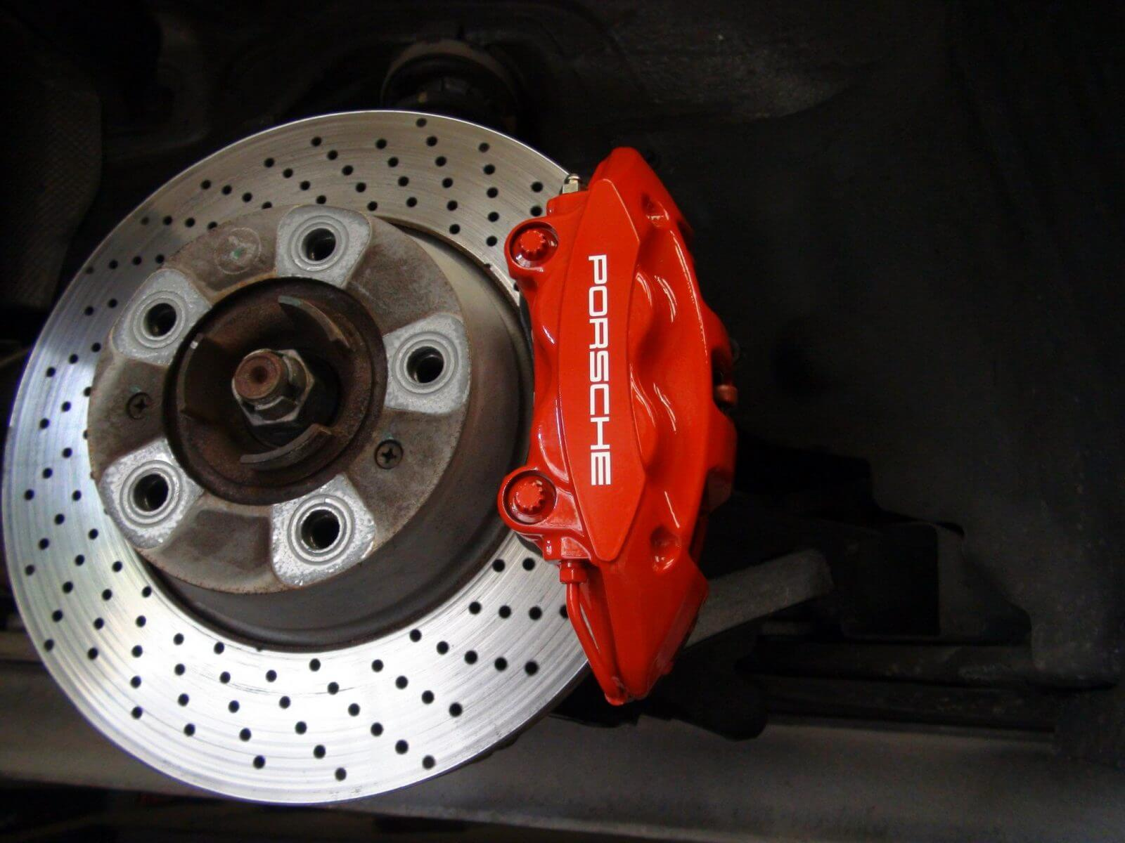 Porsche 911 brake calipers after 1