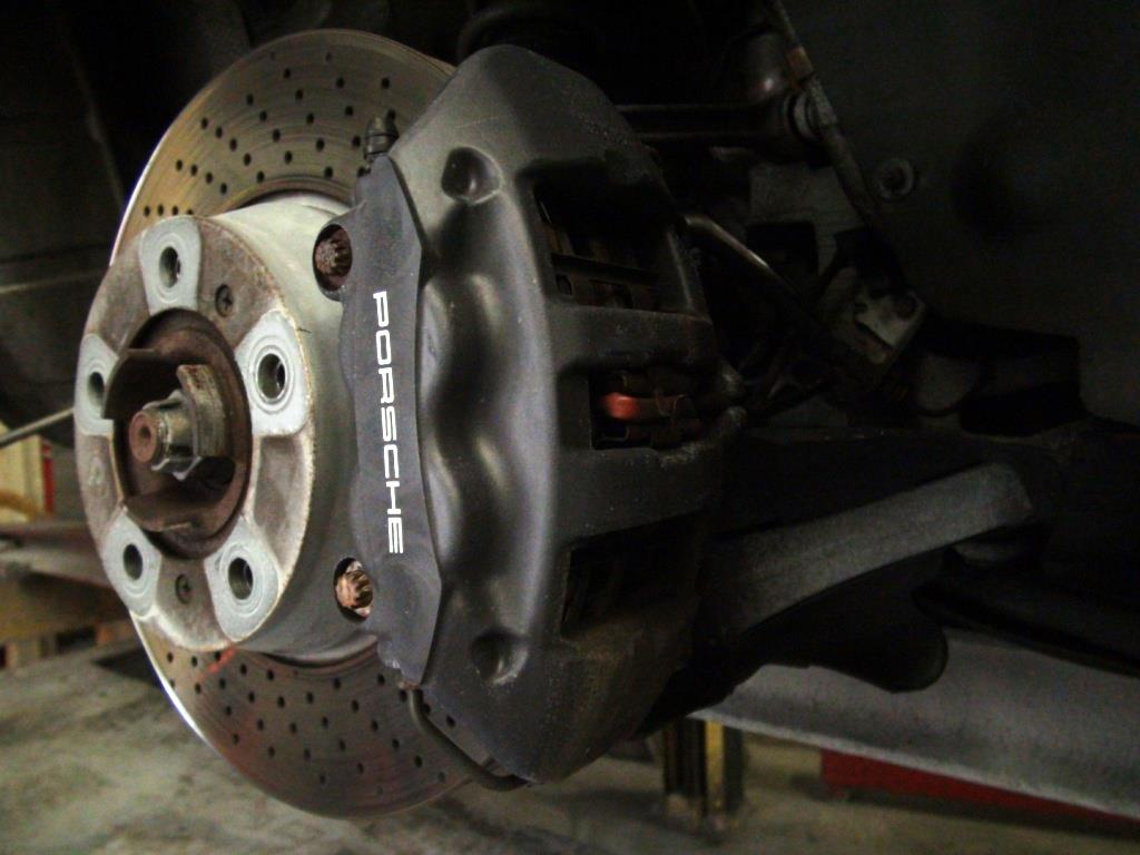 Porsche 911 brake calipers before 2