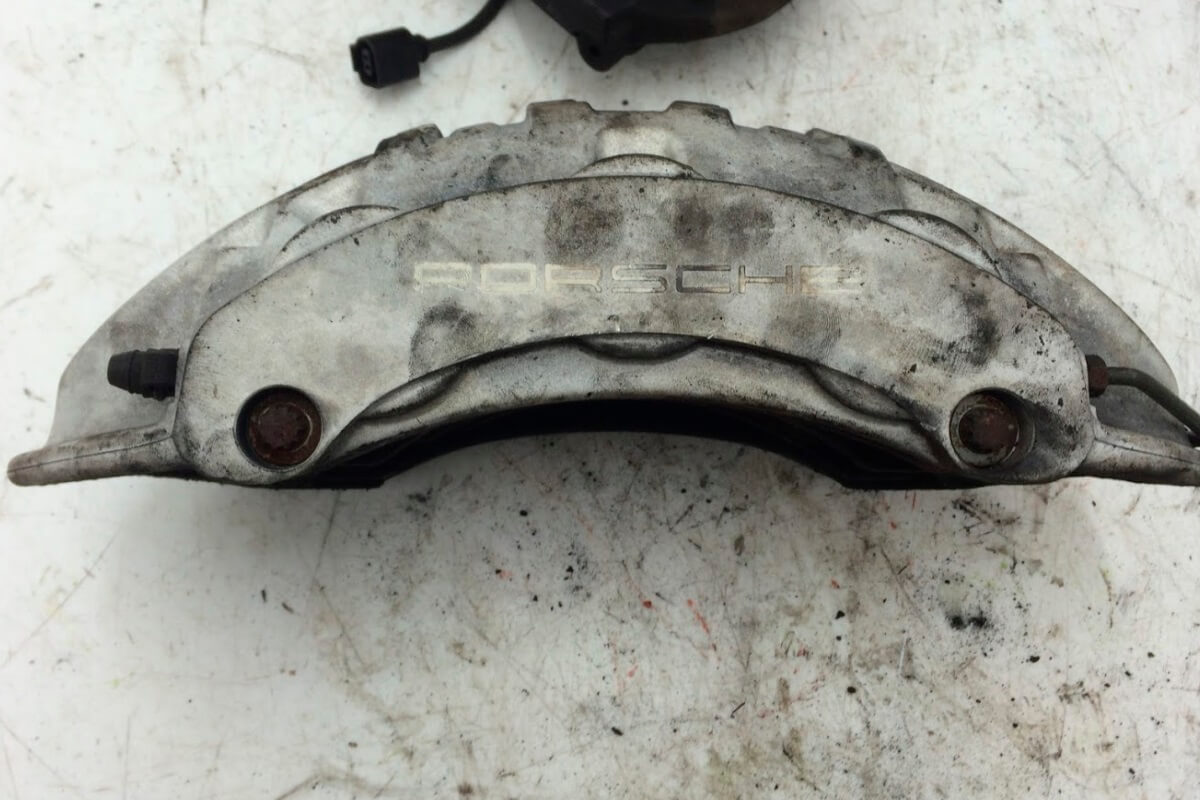 Porsche Cayenne brake caliper before refurbishment 1